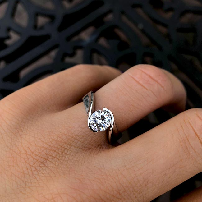 Solitaire Engagement Ring 2313L Image 2