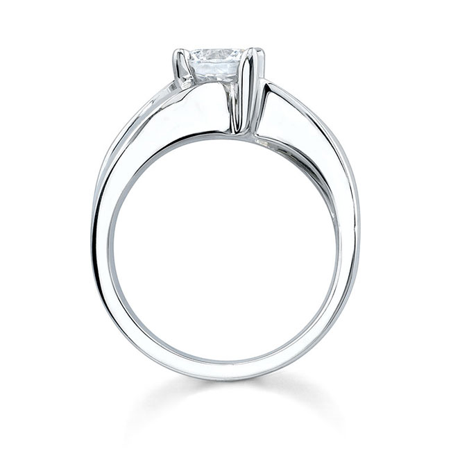 Solitaire Engagement Ring 7077L Image 2