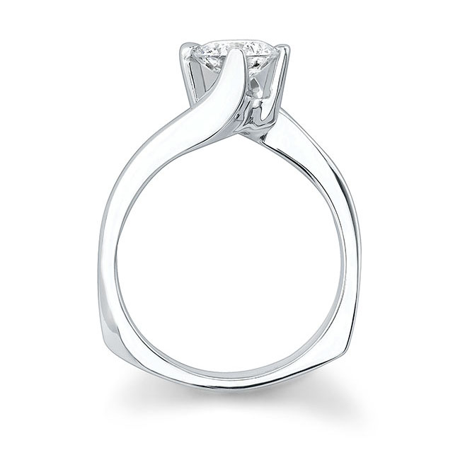 Round Solitaire Engagement Ring 7304L Image 2