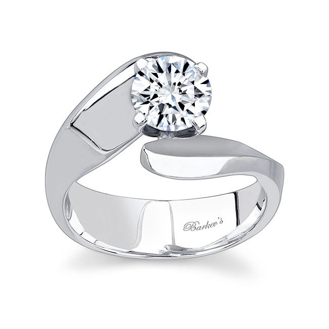 Round Solitaire Engagement Ring 7307L Image 1