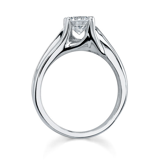 Round Solitaire Engagement Ring 7418L Image 2