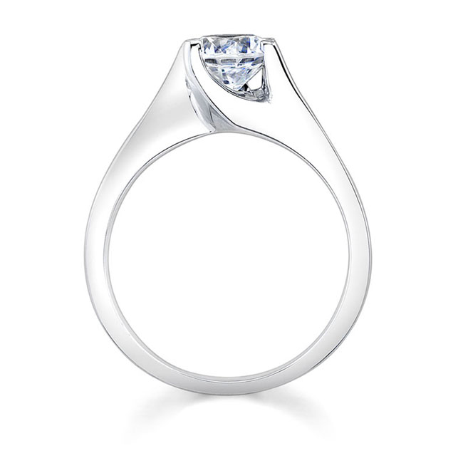 Round Solitaire Engagement Ring 7500L Image 2