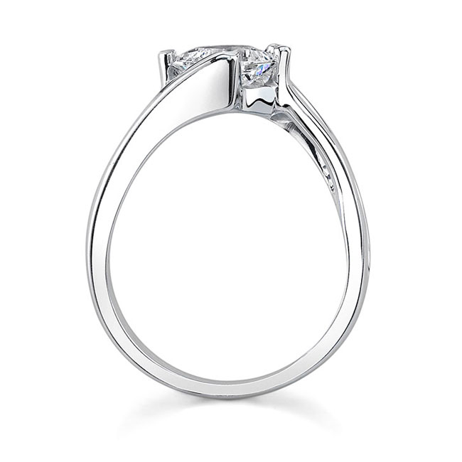 Solitaire Engagement Ring 7622L Image 2