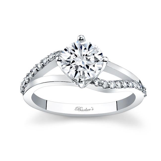 White Gold Moissanite Engagement Ring MOI-7717L