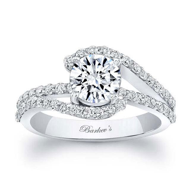 1 Carat Moissanite And Diamond Ring