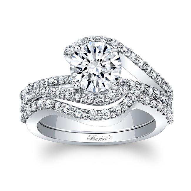 1 Carat Moissanite And Diamond Wedding Set