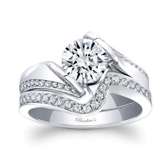 White Gold Moissanite and Diamond Bridal Set MOI-7868S