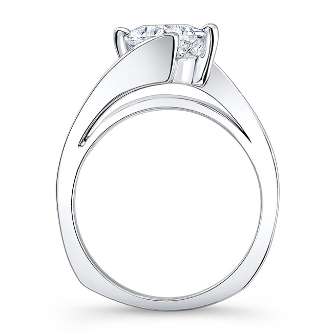 Solitaire Engagement Ring 7923L Image 2