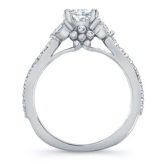 Diamond Leaf Moissanite Ring Image 2