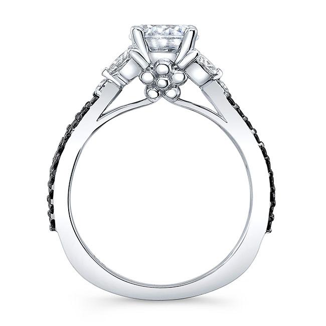 Black And White Diamond Leaf Ring Image 2