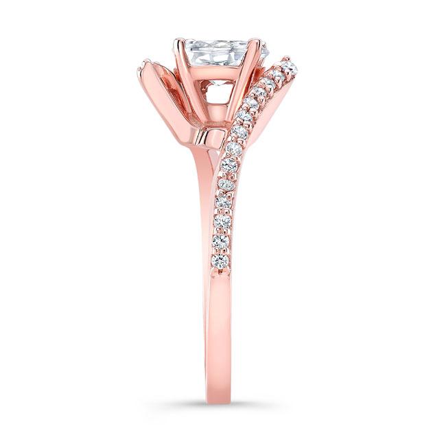 Oval Diamond Ring Image 2