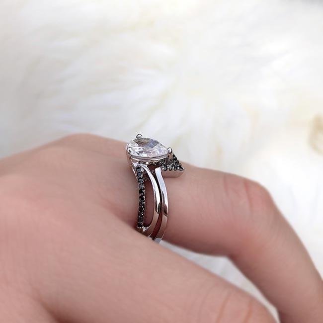 Black Diamond Split Shank Pear Bridal Set Image 5