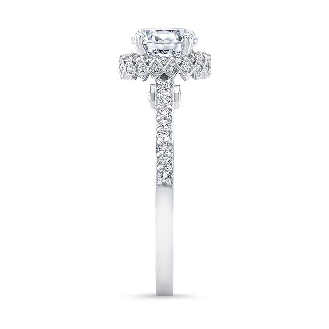 Round Halo Diamond Ring Image 3