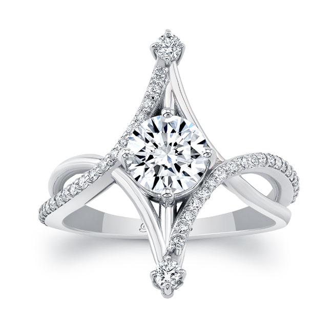 Unusual Round Diamond Ring