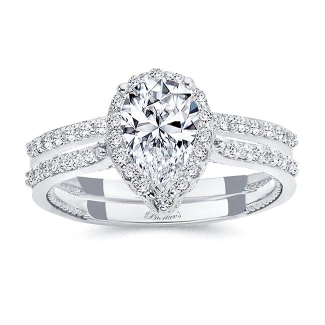 Eva Pear Shaped Moissanite Halo Ring Set